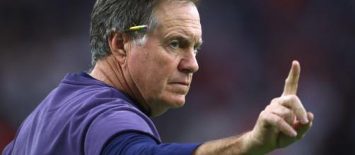 Coach, Bill Belichick de los Patriors.