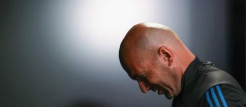 Zinedine Zidane frustrado al no hacer rendir al equipo