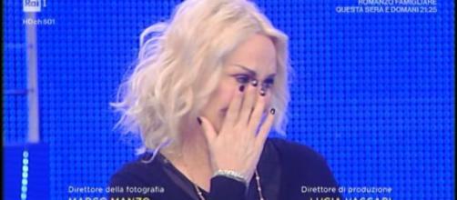 Antonella Clerici piange in tv