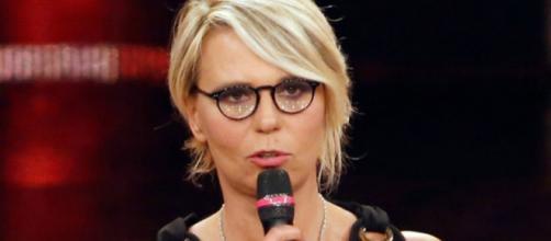 Gossip Amici: Maria De Filippi parla dell'espulsione dei ragazzi e del serale.