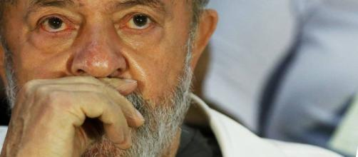 Lula aguarda julgamento do dia 24