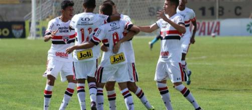 Na busca de mais títulos, São Paulo em jogo difícil ganha do Cruzeiro