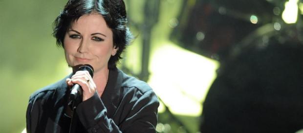 Dolores O'Riordan, vocalist dei Cranberries, è morta improvvisamente a Londra - avvenire.it