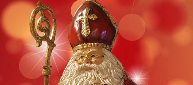 Warto pamiętać, że Święty Mikołaj był biskupem Miry. Współczesny krasnolud jest wytworem popkultury (fot. pixabay.com)