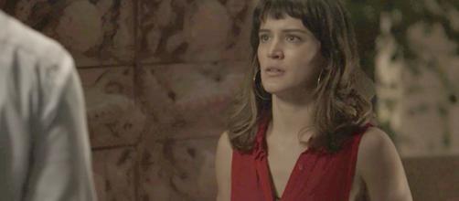 Clara quer assumir a culpa do assassinato de Laerte