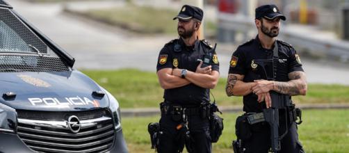 Daños materiales de la Policía española en escuelas de Cataluña ... - sputniknews.com