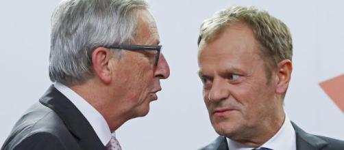 Donald Tusk e Jean-Claude Juncker dicono che la porta verso l'UE rimane aperta se la Gran Bretagna cambierà idea sulla Brexit