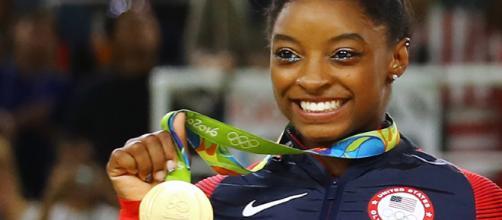 Gymnast Simone Biles brings prayer to Rio and takes home gold ... - religionnews.com