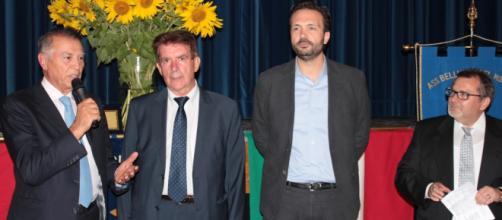il giovane parlamentare Onorevole Alessio Tacconi (il terzo da sx) promette aria nuova nel PD.