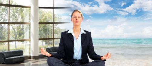 La meditación promueve el rendimiento profesional, escolar y en los deportes.