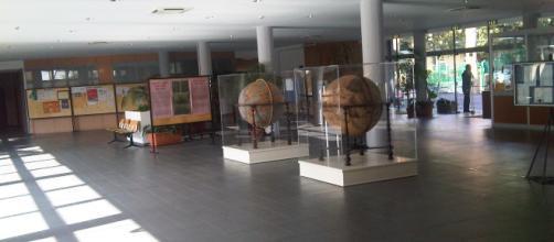 L'atrio dell'Istituto Massimiliano Massimo, la prestigiosa scuola romana dove un prof ha abusato sessualmente di un'alunna 15enne.