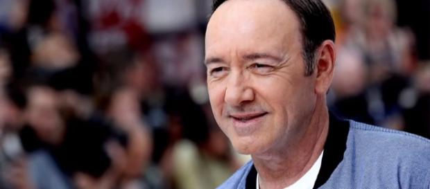 Kevin Spacey: New allegations emerge - BBC News YouTube Cap