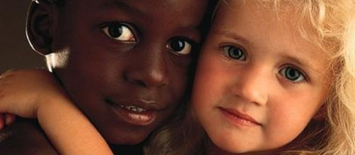 Bambini dai tratti somatici differenti