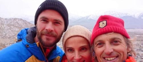 Elsa Pataky y Chris Hemsworth ya están con Jesús Calleja de ... - 20minutos.es