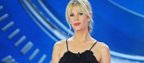 Gossip: Alessia Marcuzzi commenta i naufraghi dell'Isola dei famosi 2018.