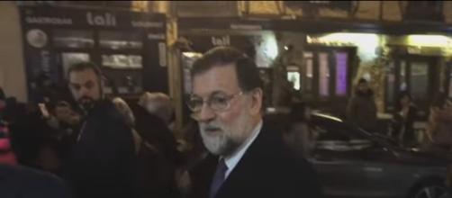 Rajoy a la salida del restaurante José María, en Segovia