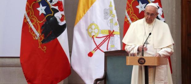 El Papa Francisco dando misa en Chile