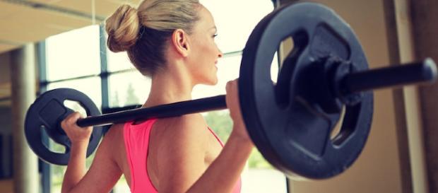 Fitness en femenino: ¿Qué hacer si no me atrevo a ir al gym? - cellublue.com