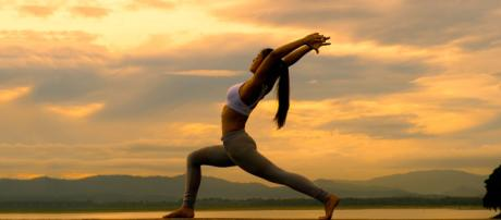 Practice these Yoga poses to Improve Digestion – PLAYSFIT - playsfit.com