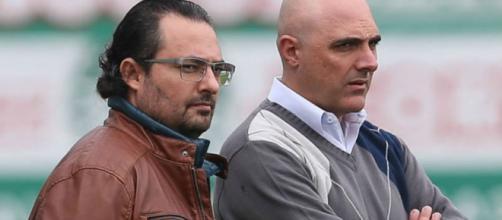 Alexandre Mattos e Maurício Galiotte conversam na Academia de Futebol
