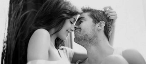 Algumas coisas simples nas mulheres fazem os homens ficarem encantados.