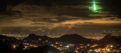Captan meteorito con luz verde en la India - com.mx