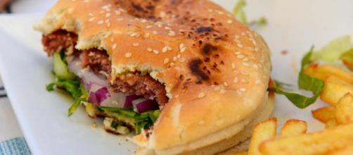 Una dieta rica en grasas aumenta el riesgo de cáncer de colon. - lavanguardia.com