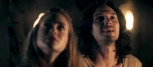 Amália desiste de Afonso em 'Deus Salve e Rei'.