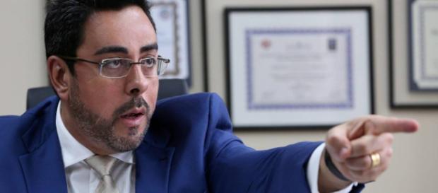 Juiz Marcelo Bretas aciona MPF contra senador da República