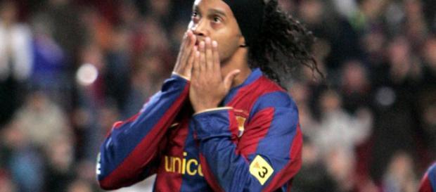 Ronaldinho da las gracias por sus redes sociales