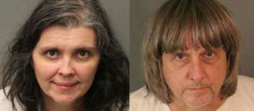 Etats-Unis : David et Louis Turpin accusés d'avoir maltraité, attaché et affamé leurs 13 enfants.
