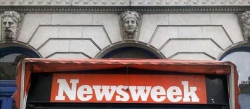 NEWSWEEK'S HEADQUARTERS RAIDED BY NYPD! - [James Munder / YouTube screencap]