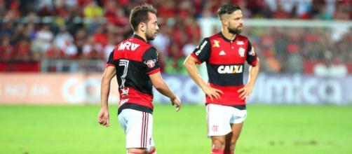 Diego e Everton Ribeiro: as estrelas do Flamengo que não brilharam em 2017. (Foto: Mundo Rubro Negro)