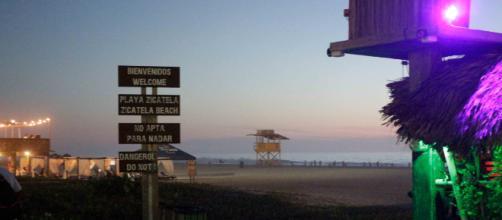 En Zicatela beach se vive toda la intensidad, está prohibido nadar.