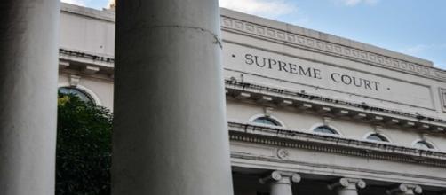 La Corte Suprema dictamina que la candidatura de Vivienne Tan en Quezon City es inválida.