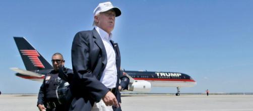 President Donald Trump's Boeing 757-200 private airliner ... - businessinsider.com