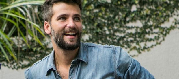 Bruno Gagliasso bomba na internet com foto de momento especial