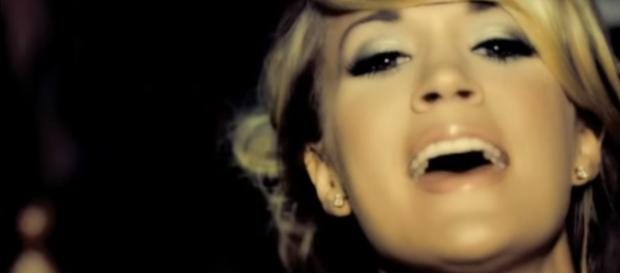 """Carrie Underwood """"looks different"""" after her face surgery [YouTube Screencap/CarrieUnderwoodVevo]"""