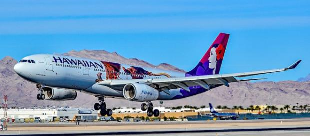 Travelers on a Hawaiian Airlines flight from Auckland to Honolulu got to celebrate 2018 twice [Image: Tomás Del Coro/Wikimedia/CC BY-SA 2.0]