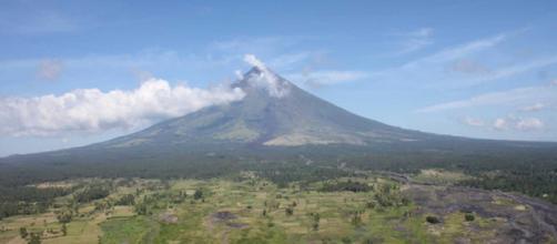 El volcán Mayon está en nivel de alerta 3 o en un nivel relativamente alto de disturbios