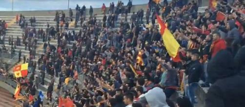 Tifosi del Lecce in curva Nord