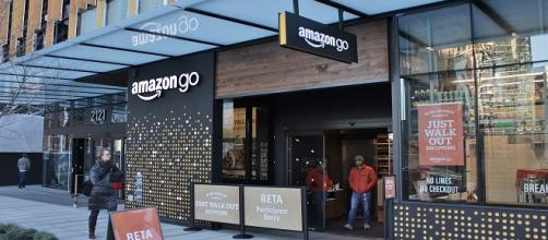 Amazon's latest go app is putting self-checkouts to shame [Image via SounderBruce/Wikimedia Commons]