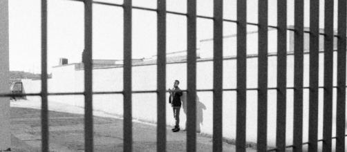 E' un 'sorvegliato speciale' il prof De Angelis da martedì 16 gennaio in carcere per abusi su un'alunna 15enne all'Istituto Massimo di Roma.