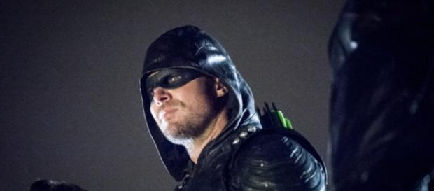 "Arrow ""We Fall"" Official Preview Images 
