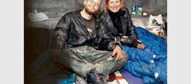 Zaunstreit: Obdachlose schlafen wieder unter Brücke - Hamburg ... - bild.de
