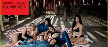 Kendall y Kylie Jenner con sus hermanas mayores Kim, Kourtney y Khloé Kardashian