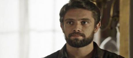 Renato investiga Clara (Divulgação/TV Globo)