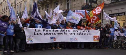 Grève des surveillants pénitentiaires : la mobilisation se poursuit