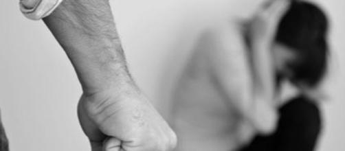 Maltrattamenti, abusi e stalking Violenze sessuali in aumento ... - livesicilia.it