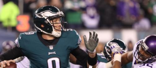 Nick Foles tuvo 3 TD y 352 yardas en el mejor partido de su carrera de 6 años en la NFL. ProFootball Focus.com.